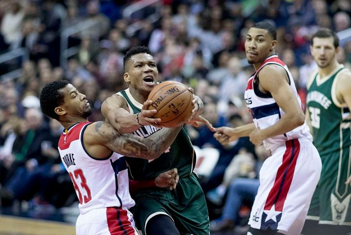 Giannis_Antetokounmpo_vs_Washington_Wizards,_December_12th_2016